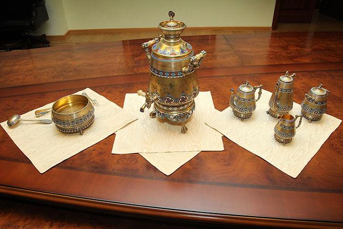 Продать Хлебников серебро 84
